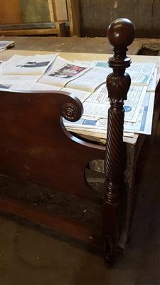 """""""Antique-Mahogany-Bed"""""""